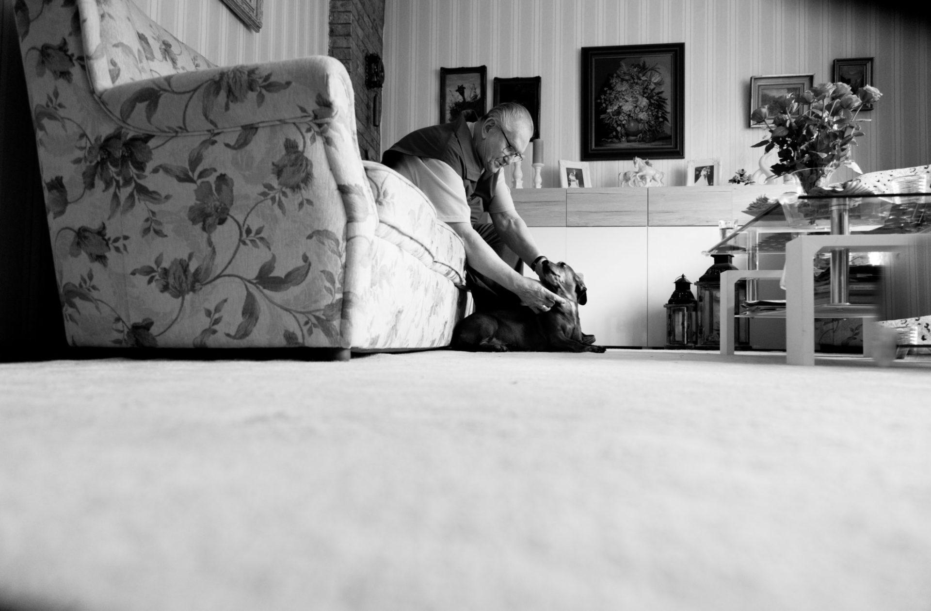 Oma und Opas Herzbilder. Fotoreportage über die Liebe. Authentic Love. Fotoreportage über die Liebe. Wie Oma und Opa sich kennengelernt haben, was sie erlebt haben und was ihre Liebe so beständig macht.